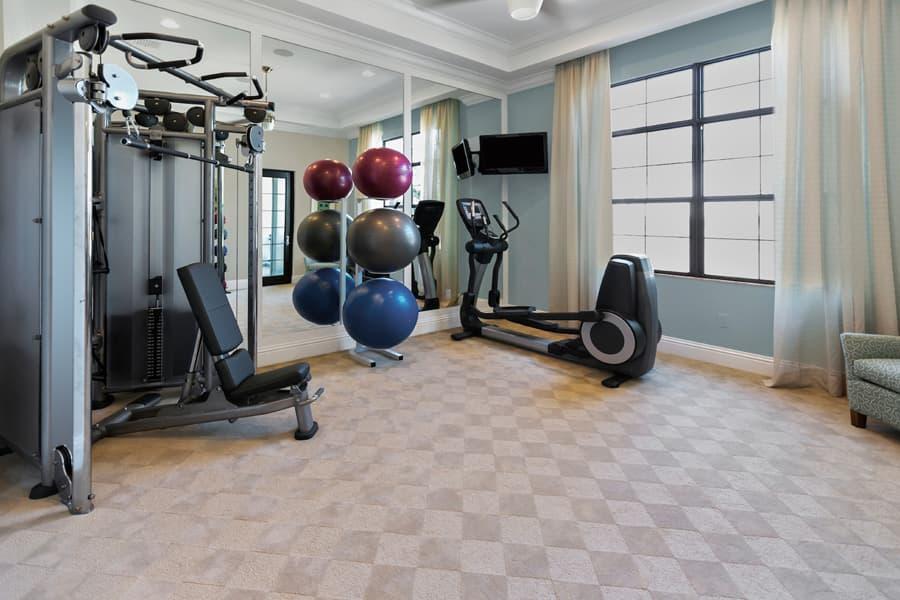 健身房综合训练器的使用方法说明和操作步骤